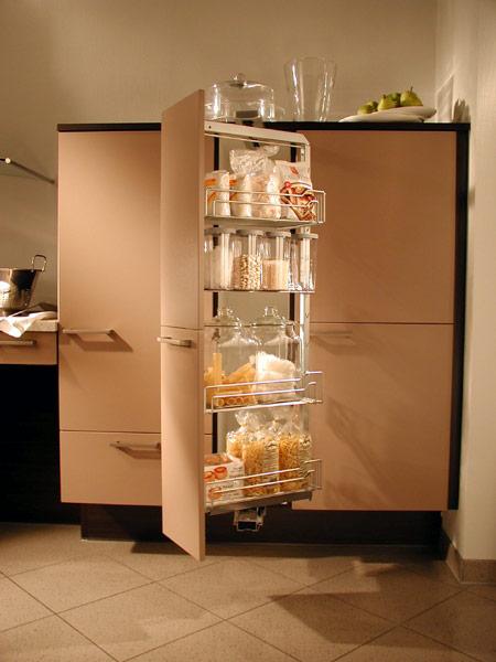 einen funktionalen raum gestalten mit apothekerschrank für küche ...